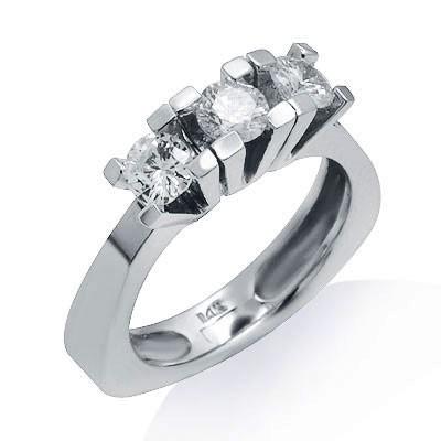 טבעת שלושה יהלומים הבטחת זהב לבן 14K