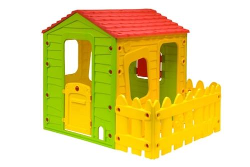 בית ילדים עם פרגולה וחצר Starplast