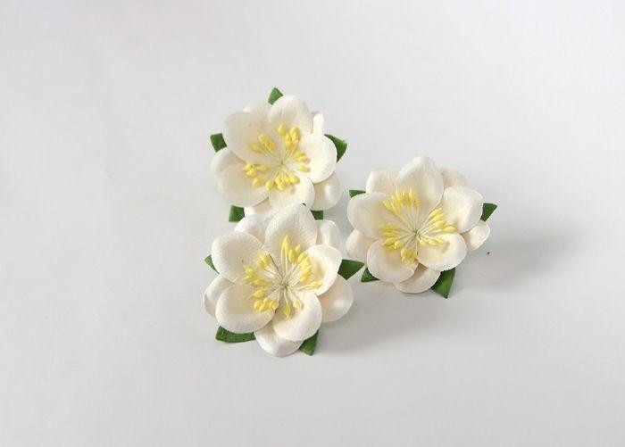סקורה -לבן- 4 פרחים