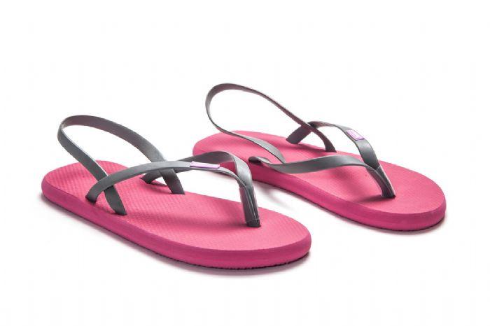 flat sandals //  ורוד אפור