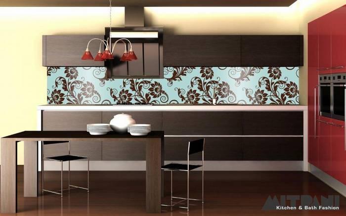 חיפוי זכוכית למטבח דוגמא -13 פרחים חומים משתלבים עם מטבח וונגה.