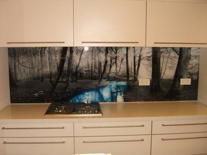 חיפוי זכוכית למטבח דוגמא 17-נחל-משפחת טפירו באר-שבע