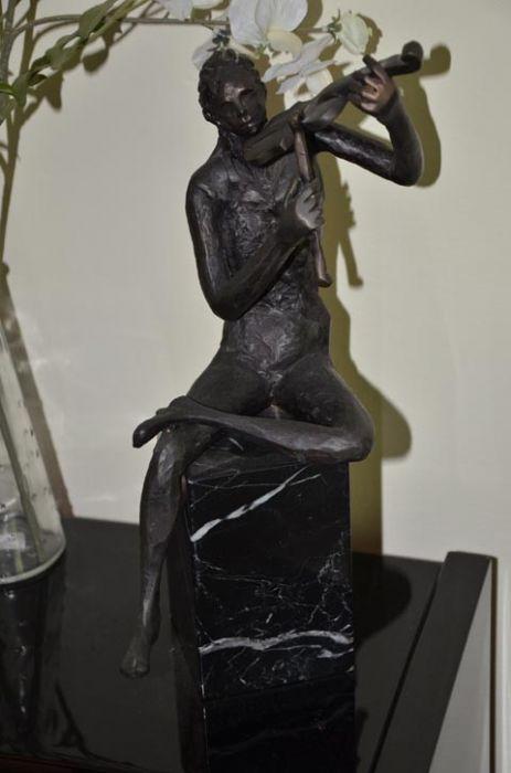 קלרה אברמוביץ - פסלת