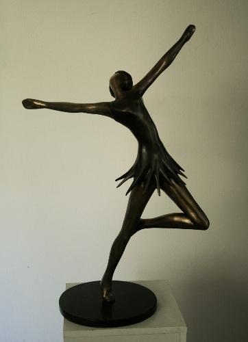יפים שיסטיק - פסל