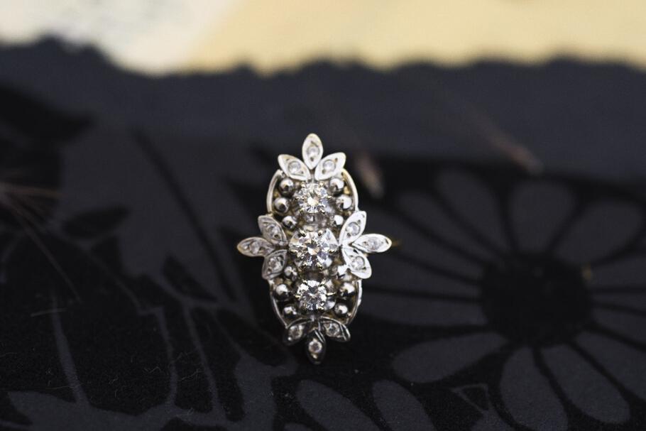 טבעת מזהב 14 קראט משובצת זירקונים