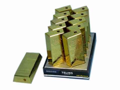 מצת מתכת בצורה ועיצוב של מטיל זהב  - 1390