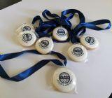 עוגיות מדליה לסיום שנת הלימודים ב ו עם לוגו מחזור השכבה ( בנופית )