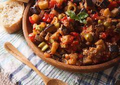 תבשיל בשר עם עגבניות וחצילים