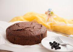 עוגת חלבון עם שוקולד ובננה (ספורטאים)