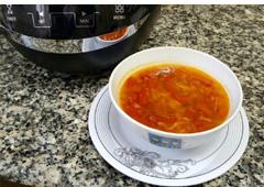 מרק עגבניות מפנק בקריצת טעם ברביקיו
