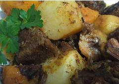 תבשיל תפו״א, בשר, בטטות, ערמונים ובורגול חום לבן