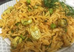 אורז עם פולים ירוקים, שמיר ואפונים ירוקים