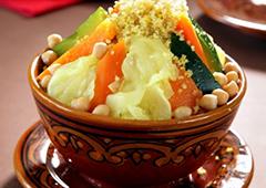 קוסקוס צמחוני עם ירקות וגרגרי חומוס