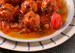 Fish Cakes in Spicy Tomato Sauce