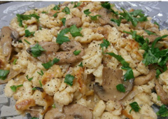 Spaetzle with Onions and Mushrooms