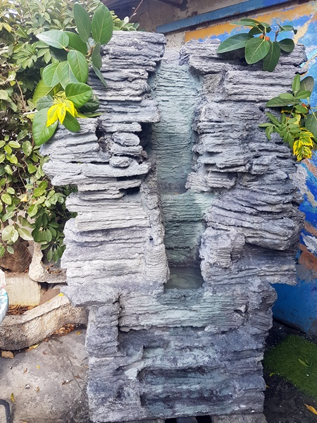 """מזרקות לגינה אבן ובטון טבעי גובה 180 ס""""מ"""