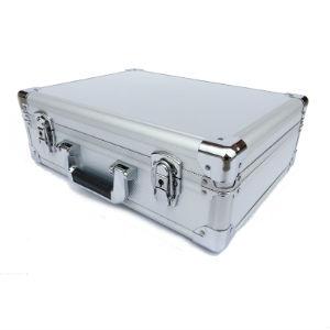 מזוודה מאלומניום