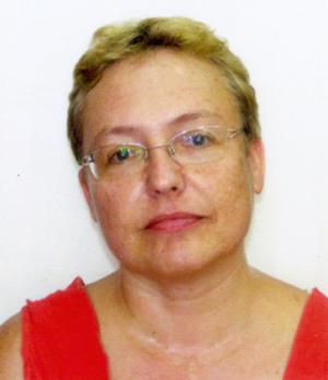 שרה קמינר - מטפלת בילדים ביצירה ומשחק