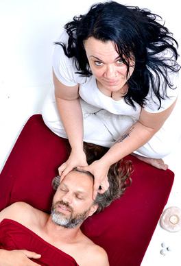 לאה דגן - מטפלת גופנית, נפשית, מעסה, רפלסולוגית