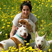 מטפלת רגשית בעזרת כלבים - עופרי לייבל