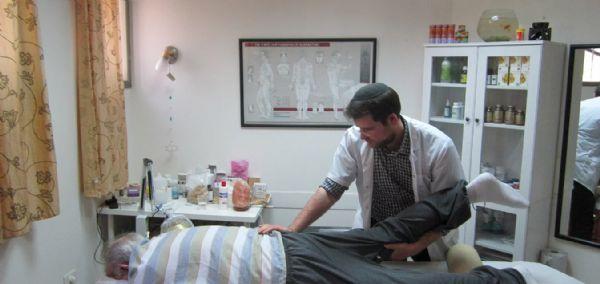 אדי מאיר מטפל רפואה סינית כאבי גב