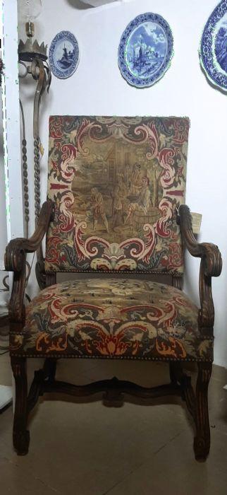 כורסא עתיקה מראשית המאה ה-19