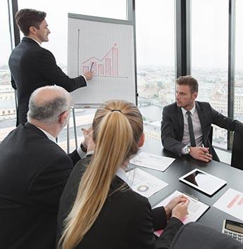 תמונת דיון בישיבה של דירקטורים