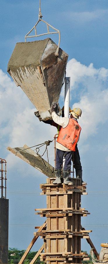 עובדי בניין שלא עובדים בצורה תקנית