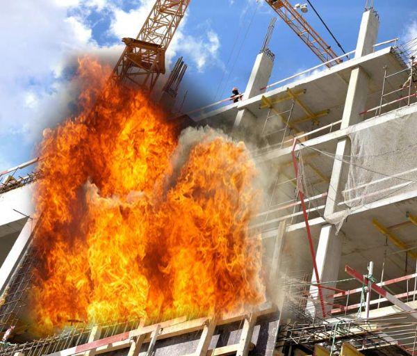 שריפה בבניין שבבנייה
