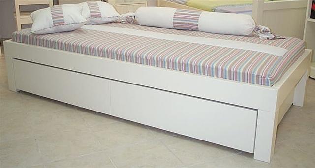 מיטה דגם קרן - גזע העץ