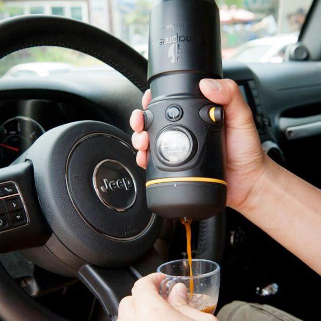 מכונת אספרסו הנדפרסו לרכב קפה טחון ופודים - Handpresso Car