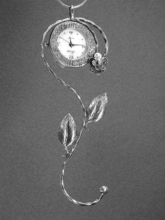 שעון שרשרת פרח