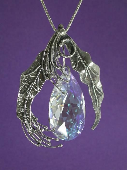 silver pendant Savarovesky in leaves