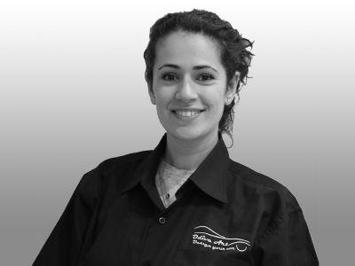 אולגה, מנהלת משרד ושירות לקוחות