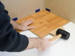חיבור הלוחות בעזרת לוח הדפיקה - צוות גדרון