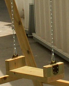 מושב נדנדת ילדים מעץ - צוות גדרון