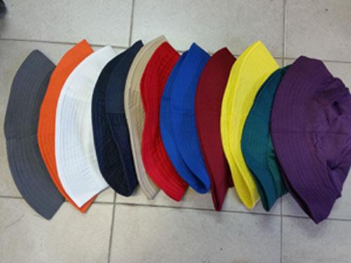 כובע טמבל , כובעי טמבל עם לוגו