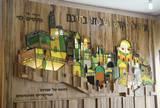 """""""ירושלים מוארת"""", 2003, 2.5 * 2 מ´, תבליט ברזל, זכוכית, עץ, בית כנסת יפה נוף, לוד."""