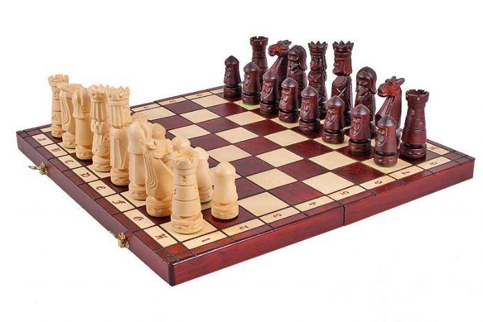 שחמט עץ טירה