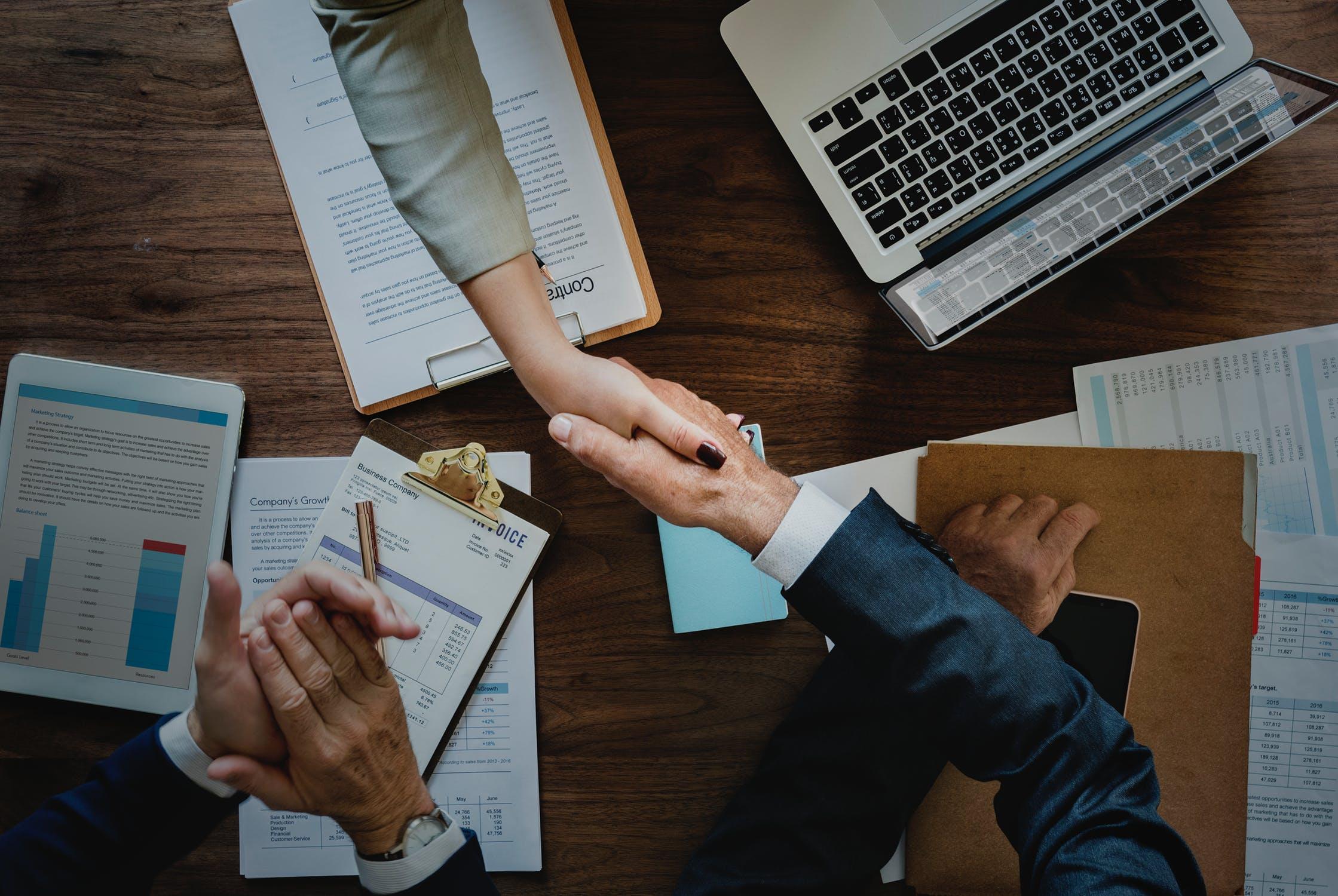 כתיבת עבודות אקדמיות במנהל עסקים