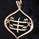 Teardrop shaped  Silver pendant with RingStone symbol