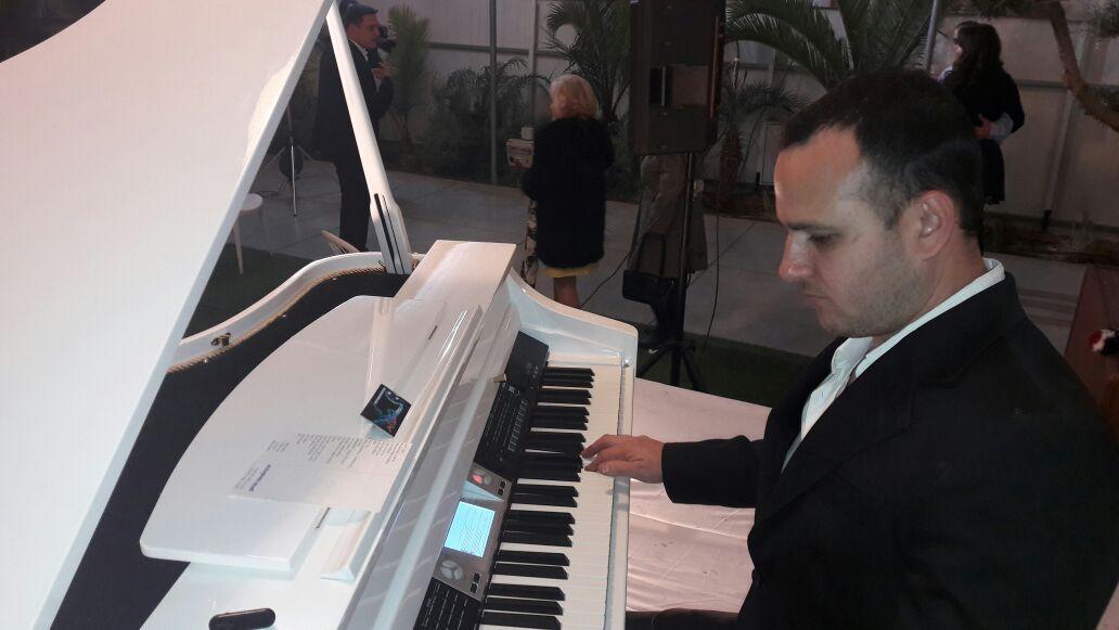 פסנתר להשכרה השכרת פסנתר