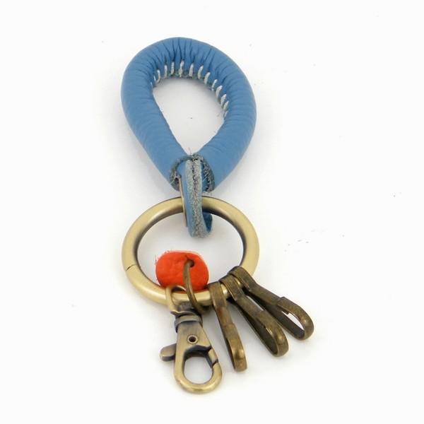 מחזיק מפתחות עמנואל פורשה עור כחול