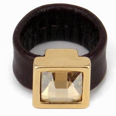 טבעת קוקטייל מרובעת זהב הגר סתת עור חום