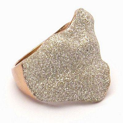 טבעת זהב עלה שבבי מינרל לבן