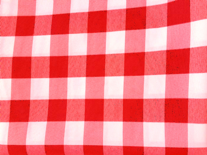 מפה מרובעת 2.20x2.20 - משובץ אדום לבן