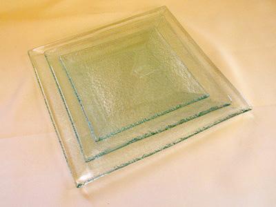 """צלחת זכוכית מרובעת 21 ס""""מ"""