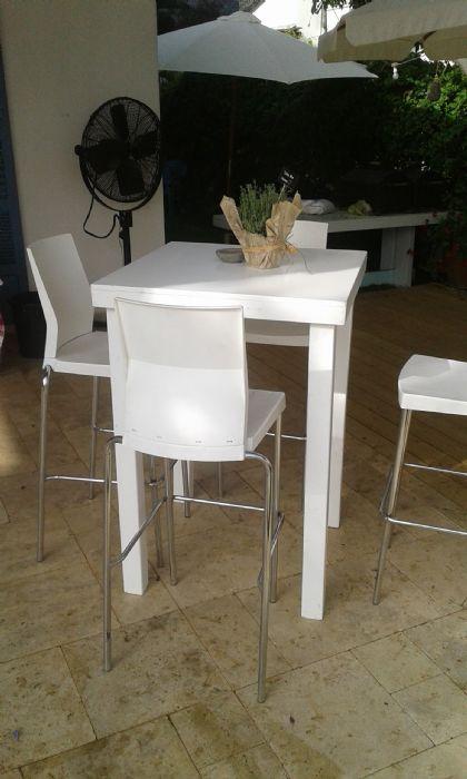"""שולחן בר מרובע 0.77/0.77  ס""""מ - 4 רגליים גובה 110 ס""""מ"""