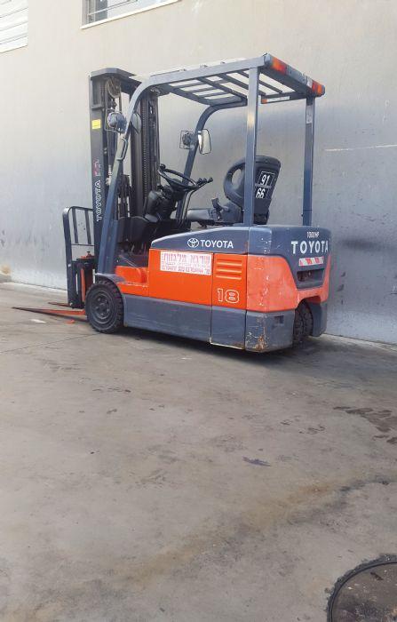 טויוטה  1.8 טון