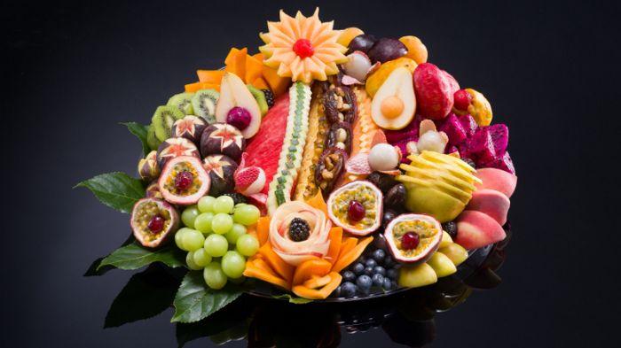 מגש פירות - חג קסום גדול
